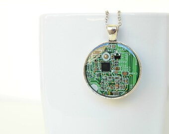 circuit board necklace - green necklace,  upcycled geometric necklace, computer part jewelry, geek tech pendant, circle