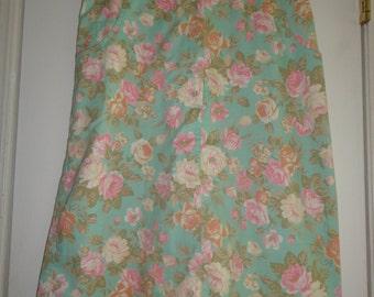 Sweet Feminine Floral Skirt Size 11
