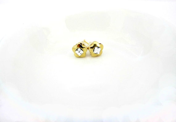 Gold Stud Earrings / Gold Flower Earrings/ Tiny Gold Earrings/ Gold Zirconia Flower Earrings - Straight To The Point