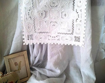 Diving Vintage Handmade Needlelace Cutwork Embroider Pieces, Dining Pads - Heavy Work, Collectibles E003