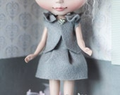 Blythe doll grey skirt and top set with bows