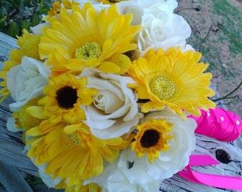 Bridal Bouquet, Yellow Ivory Wedding Bouquet, Yellow Daisy Bouquet, Yellow Ivory Bouquet, Yellow Hot pink Bouquet, Yellow bouquet