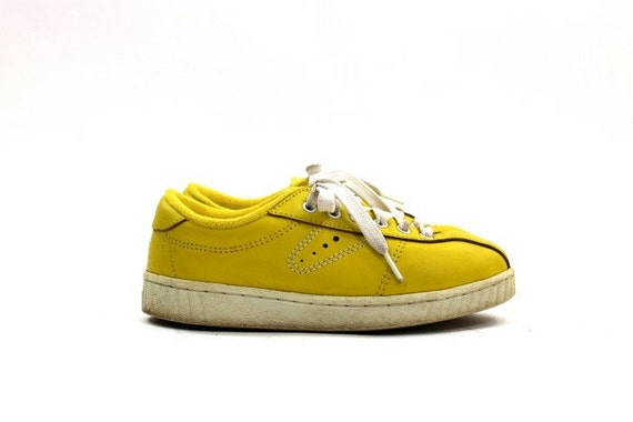 vintage yellow leather Tretorn sneakers / leather tennis shoes