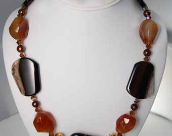 Beautiful Single Strand Agate and Carnelian Necklace,  Freshwater Pearls, Gold Filled, Swarvoski