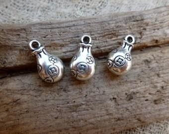 4x Calabash Charms, Antique Brass Necklace, Earring Pendants C509