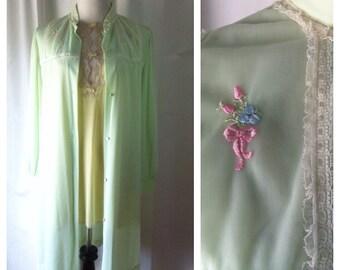 MOVING SALE - Vintage Kayser Lime Green Embroidered Nylon Robe, Medium