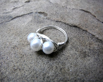 White Pearl Ring, Wire Wrapped Ring, White Ring, Cluster Ring, Wire Wrapped Jewelry Handmade, White Glass Pearl Ring