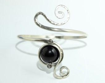 German silver forearm bracelet with an Onyx gemstone
