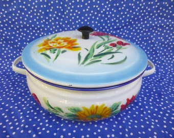 """Vintage Enamelware Pot with Lid, Bumper Harvest, Made in China, 8.5"""", 20cm, flower, shabby, cottage, chic, mid century, retro, pop"""
