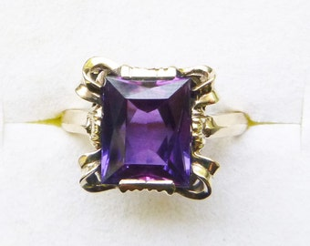 Retro 10k yellow gold synthetic color shift purple sapphire ring size 6
