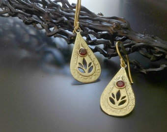 Gold teardrop earring with red garnet, gold garnet earrings, gold lotus earrings, lotus drop earring, gold dangle earrings