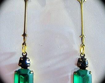 Art Deco earrings Edwardian earrings vintage style 1920s Art Nouveau earrings Victorian emerald earrings emerald green crystal