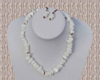 """Chunky 19"""" White rock and antique copper crystal necklace with FREE earrings."""