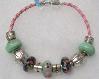 177 - CLEARANCE - Flamingo Bracelet