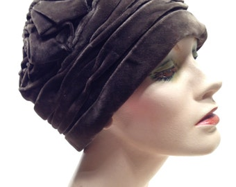 Authentic Vintage 1920's Tufted Turban Silk Velvet Cloche'