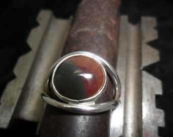 Sterling silver ring set with a fancy agate