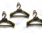 Clothes Hanger Charms , 4 pcs, hanger charm - #C10