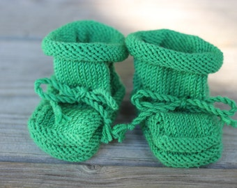 Handmade Merino Wool Baby Booties with Stay-On Laces – Grass Green (0-6 Months)