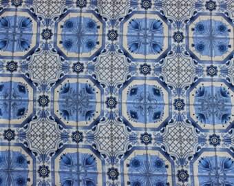 Robert Kaufman 100% cotton quilting fabric,  'Dutch Cottage'