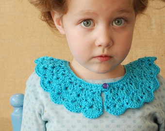 Crochet collar for little girls ~ in light blue with a scalloped edge and a vintage glass purple knot