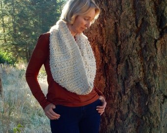 Chunky Knit Scarf Cowl  / BURNT RIVER / Cream