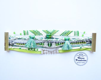 Véronique # green and white, shiny and delicate fantasy...Cuff Bracelet // Brasilian  Style