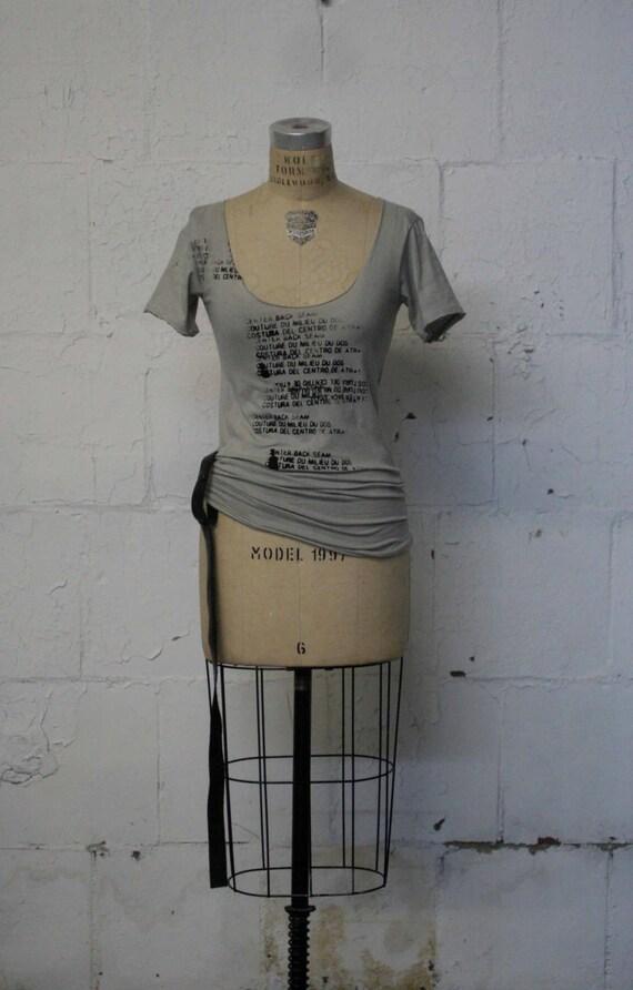 SALE / Women's T-Shirts / Women's Tops / Women's Edgy T-Shirts / Artist's T-Shirts / Text  / Gray T-Shirts / Women's Blouse