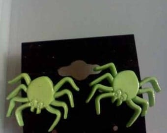 Green Spider Button  Earrings