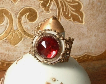 Ruby Red Vintage Button Ring Antique Art Deco Czech Glass Rhinestone Mother of Pearl Filigree Ring Adjustable Antique Bronze Gold Assemblage