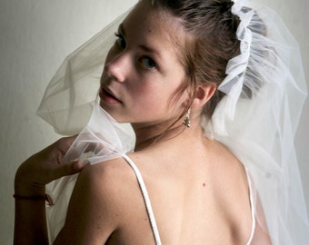 Wedding Veil - Middle lenghth White Tulle Veil