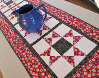 Quilted Floral Americana Star Table Runner