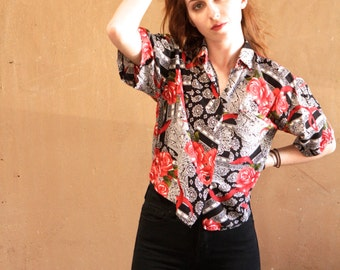 90s GRUNGE vintage women's paisley size small floral TWIN PEAKS era red oversize shirt blouse
