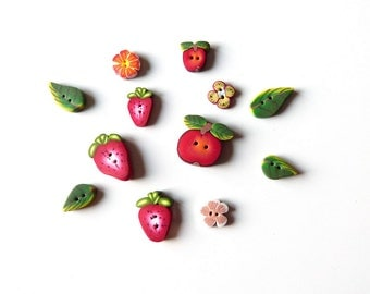 APPLE STRAWBERRY Buttons with flower and leaf,  handmade Craft supplies - Set of 12 -  red green orange, polymer clay, boutons pomme fraise