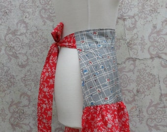 Half Apron in 1940s Reproduction Cotton // Red, Blue, White // Retro Style, Floral