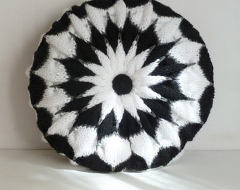 Pillow knit pattern Round Cushion PDF Pinwheel - decorative cushion PHOTO tutorial unique knitting stitch - Instant DOWNLOAD