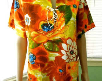 Vintage HIPPIE Shirt/Mens Hawaiian Shirt/Mens Floral Shirt/Rockabilly/Pointed Collar/Lace Up Front/70s Vintage Hawaiian Shirt/Mens Small