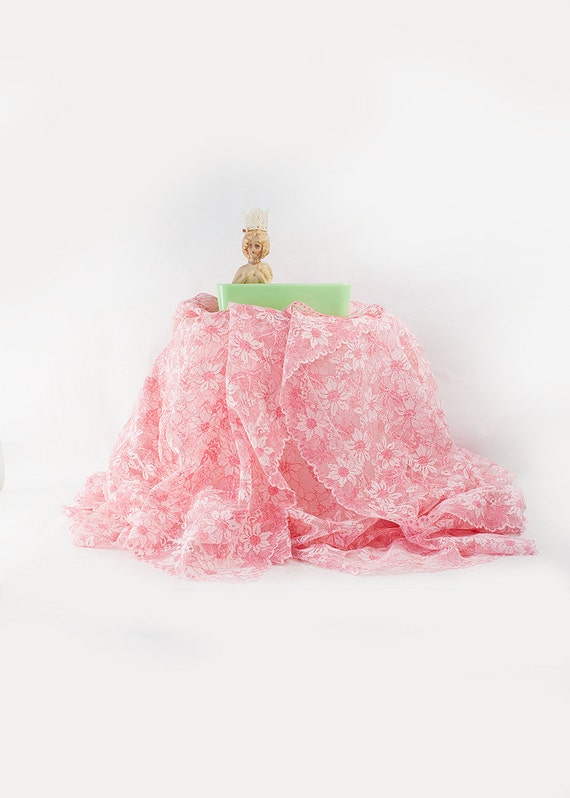 vintage pink lace tablecloth by sadrosetta on etsy