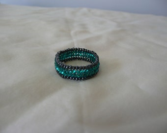 Beaded Ring Band, Seed Bead Ring, Herringbone Ring, Teal and Black, Green and Black Ring size 7