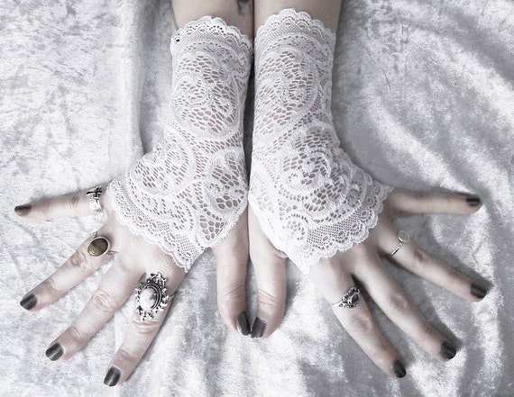 Vera Lace Fingerless Gloves - Snow White Embroidered Floral Paisley Scroll - Wedding Gothic Bohemian Bridal Belly Dance Romantic Fetish Goth