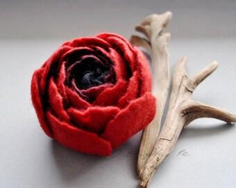 Felt Flower, Feltedflower brooch, Felt Poppy,Poppy brooch, Poppy pin, Black and Poppy Red Flower, Felt Ranunculus, Felt Flower Pin Brooch