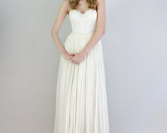 Lace and chiffon strapless gown - Samantha