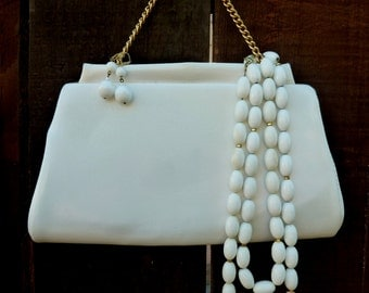 Vintage 1960's White Handbag/Necklace/Earring Set, Retro, Mod, Vintage Wedding, Retro Bride
