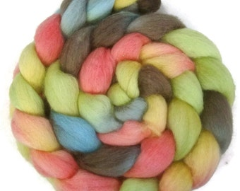 Handpainted BFL Wool Roving - 4 oz. CUPCAKE - Spinning Fiber