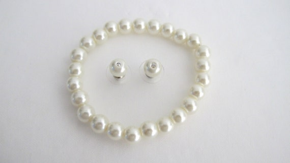 Ivory Stetchable Bracelet, ivory pearl bracelets, wedding bracelet, bridal party bridesmaid Ivory bracelet earrings set Free Shipping USA