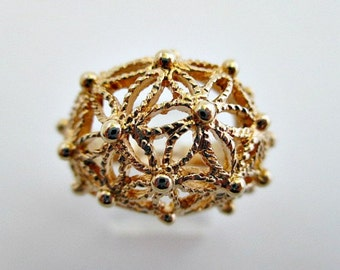 Avon Spun Blossoms Vintage Filigree Domed Ring Size 9 in Original Box - 1979 Vintage Avon Jewelry
