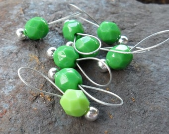 Small Snag Free Knitting Stitch Markers Light and Dark Green Set of 8 Fits Needles Up To 5.5mm