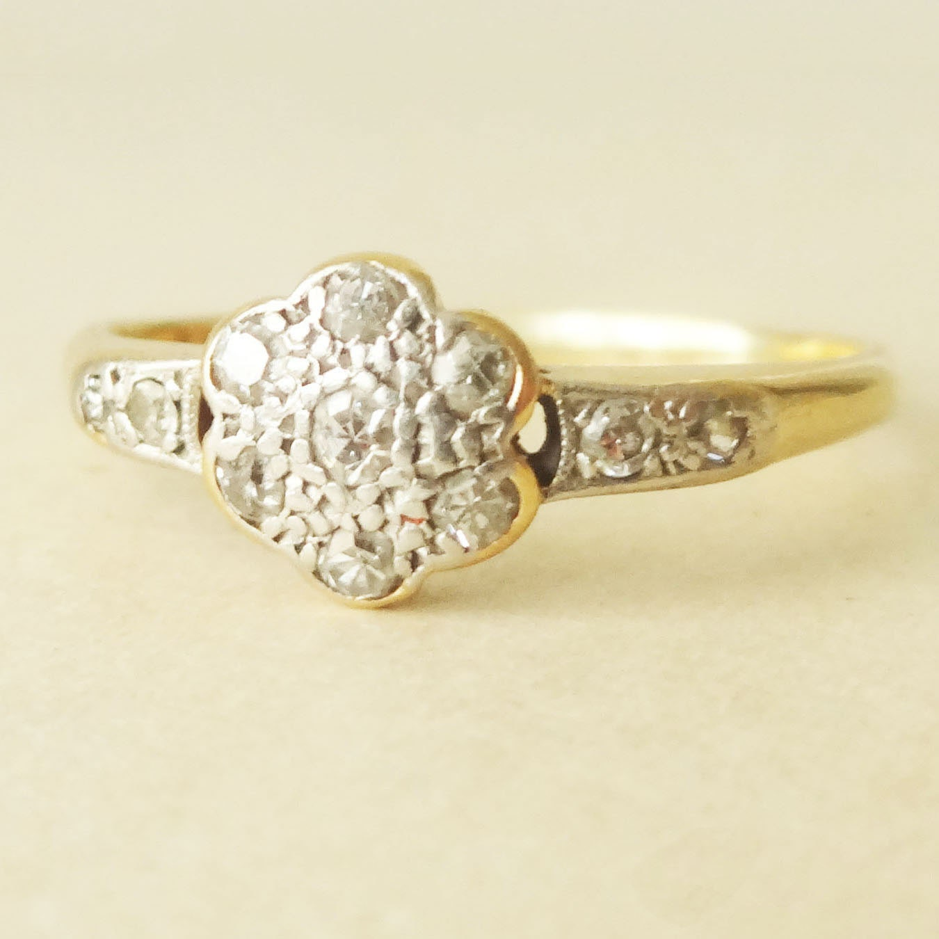 Art Deco 18k Gold & Diamond Flower Ring Vintage Diamond