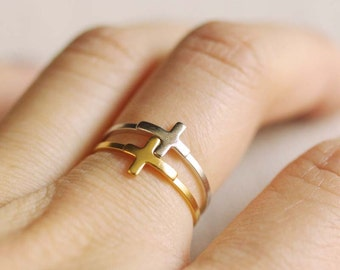 sideways cross ring . side cross ring . stackable cross ring . simple cross ring . minimalist jewelry . side cross stacking ring // 4HCRS