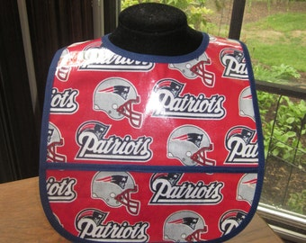 WATERPROOF WIPEABLE Baby to Toddler Plastic Coated Bib New England Patriots