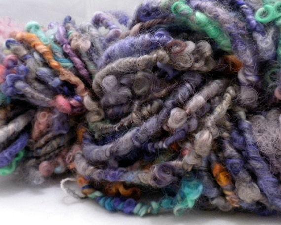Lockspun Curly Handspun Yarn, Super Bulky 33 yards, 6.1 oz. Thick and Thin Border Leicester Wool Art Yarn Knitting Crochet Weaving HS-00015